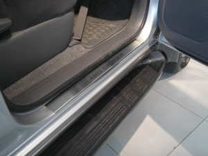 Toyota Land Cruiser Prado 2003-2009 - Порожки внутренние к-т 4шт фото, цена