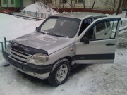 Chevrolet Niva 2002-2012 - Дефлектор капота (мухобойка). (Voron Glass) фото, цена