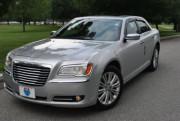 Chrysler 300C 2011-2014 - Дефлекторы окон (ветровики), c хром-молдингом, комлект 4 штуки. (AVS) фото, цена