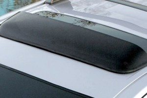 Hyundai Tucson 2004-2010 - Дефлектор люка, темный на крепежах (Hyundai) фото, цена
