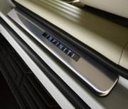 Infiniti QX56 2010-2014 - Порожки внутренние с подсветкой, передние (Infiniti) фото, цена
