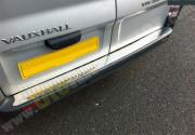 Opel Vivaro 2001-2016 - Накладка заднего бампера нержавейка (Carmos) фото, цена