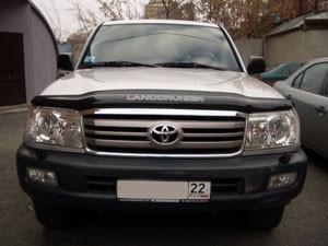 Toyota Land Cruiser 1998-2007 - Дефлектор капота, черный, с логотипом (Sim) фото, цена