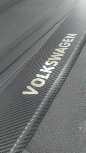 Volkswagen T5 2003-2015 - Накладка на задний бампер с загибом, Карбон. (UA) фото, цена