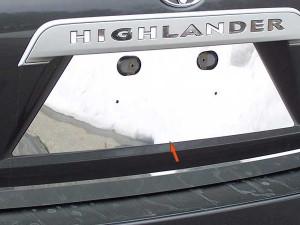 Toyota Highlander 2008-2013 - Хромированная накладка под номер. (SAA) фото, цена
